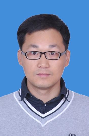 2009年毕业于青岛农业大学园艺专业,获农学学士学位;2012年毕业于西北
