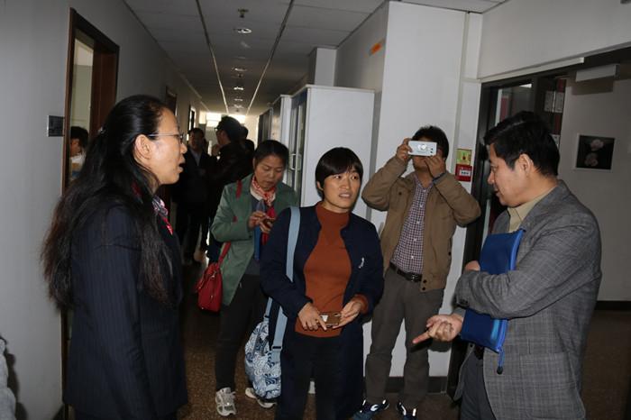 参观中国农大园艺学院蔬菜系实验室-蔬菜系教师赴中国农大和中国农图片